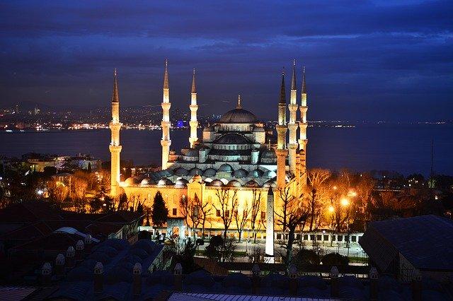 Vuelo mas hotel a Estambul desde 330€
