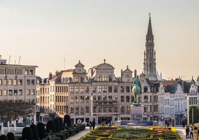 viaje barato a bruselas